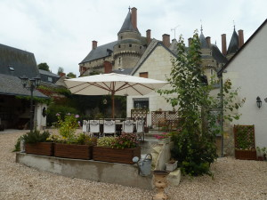 The terrace at L'Ange est Reveur in Langeais