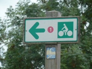 Follow this sign into the Pays des Chateaux.